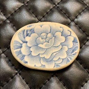 Vintage Old China / Pottery Plate Cameo Brooch